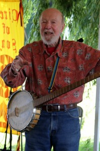 2011: Pete Seeger in Croton-on-Hudson, New York.  By Jim, the Photographer (http://www.flickr.com/photos/jcapaldi/5854785981/) [CC BY 2.0 (http://creativecommons.org/licenses/by/2.0)], via Wikimedia Commons