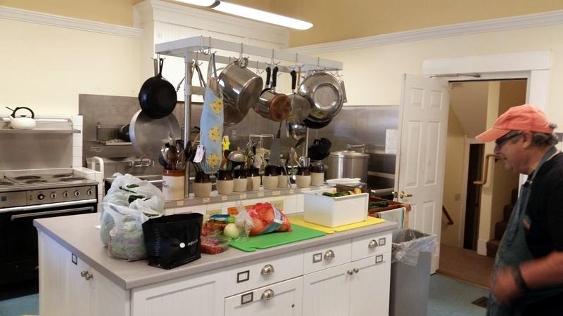 2016-08-29 Garden food at Monday Unitarian kitchen.06